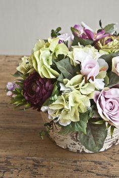 Arreglo con Rosas y Ranunculus
