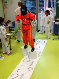SAVED IMAGE--check back for more ideas. Completely Kindergarten: Sublime Space Unit Walking on the Moon Space Preschool, Outer Space Theme, Summer Reading Program, Space Party, Kindergarten Science, Vacation Bible School, The Unit, Astronauts, Space Games For Kids