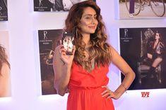 Mumbai: Dabboo Ratnani Calendar launch 2018 Anusha Dandekar - Social News XYZ Anusha Dandekar, Durga, Mtv, Mumbai, Everything, The Outsiders, Acting, Short Sleeve Dresses, India