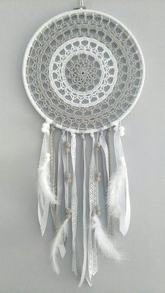 Crochet Dreamcatcher Pattern Free, Crochet Mandala Pattern, Crochet Doilies, Crochet Patterns, Dream Catcher Patterns, Dream Catcher Mandala, Dream Catcher Boho, Crochet Home, Knit Crochet