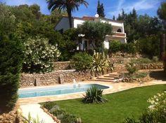 Location vacances villa La Croix Valmer: Villa avec Vue Mer, jardin arboré, piscine, terrain de pétanque, à 800m plage