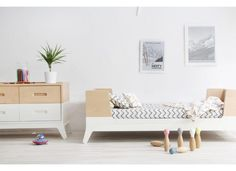 Want to know what's the best toddler bed for your kid? Here are a list of the best toddler beds, out Top 15 pieces. Cama Junior, Junior Bed, Kids Room Design, Interior Design Living Room, Small Room Bedroom, Girls Bedroom, White Toddler Bed, Unique Toddler Beds, Toddler Rooms