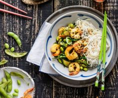 Prawn and courgette stir-fry with pad thai-style noodles By Nadia Lim Stir Fry Recipes, Salad Recipes, Healthy Recipes, Healthy Meals, Quick Dinner Recipes, Quick Meals, One Pot Dinners, Crispy Tofu, Food Categories