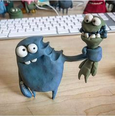 Waaber in 2020 Polymer Clay Kunst, Fimo Clay, Polymer Clay Crafts, Ceramic Monsters, Clay Monsters, Paper Mache Clay, Frame By Frame Animation, Toy Art, Clay Animals