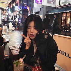 Image about girl in 🖤ulzzang by ionlyloveonce Pretty Korean Girls, Cute Korean Girl, Asian Girl, Korean Girl Photo, Korean Girl Fashion, Ulzzang Korean Girl, Ulzzang Couple, Korean Aesthetic, Aesthetic Girl