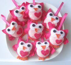 Mini felt owls baby shower favors...adorable!
