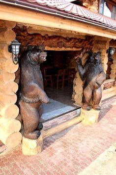 RAMUSHKEVICH   ВКонтакте Chainsaw Wood Carving, Wood Carving Art, Wood Art, Wood Carvings, Animal Statues, Animal Sculptures, Lion Sculpture, Black Forest Wood, Black Forest Decor