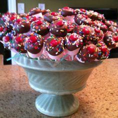Marshmallow cupcake pops