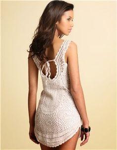 Olha só meninas!!! Encontrei esse vestido na web e ele serve para o verão que está chegando, que tal??? Bora fazer??? ... Crochet T Shirts, Crochet Blouse, Crochet Clothes, Diy Clothes, Knit Dress, Knit Crochet, Crochet Summer Dresses, Crochet Woman, T Shirt Diy