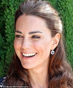.Diana's favourite earring were these Saudi Arabian sapphires surrounded by ten diamond. They were worn to mark Prince Harry's birth in 1984 and later given by Prince William to Kate to mark their engagement in 2010...