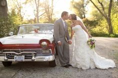 Photo Captured by Elizabeth Scott Photography via Every Last Detail - Lover.ly