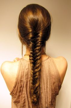 7 CUTE HAIRSTYLES FOR BUSY WOMEN...! 1. Twist your hair back. 2. Split, knot, twist then pin. 3. Get Barbie's voluminous ponytail by sticking two bobby pins under your pony to lift it and give it a pop. 4. To achieve a fuller twisty bun, wear your hair like pigtails. 5. Go for a tiered high ponytail. 6. The fishtail braid takes skill and time to do. 7. Try the half-bun, half-down hairstyle. Have a look on Article >> http://bit.ly/1zWcu0N #hair #hairstyle #hairstylesforwomen