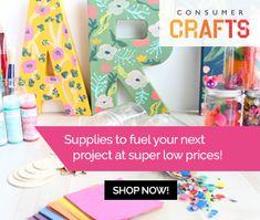 Keep idle hands busy by offering up this adorable DIY unicorn dreamcatcher craft. Yarn Crafts, Fabric Crafts, Paper Crafts, Diy Crafts, Diy Unicorn, Papier Diy, Diy Weihnachten, Diy Wreath, Craft Tutorials