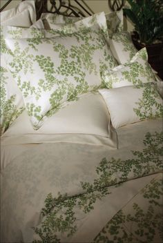 Flora | 100% Unbleached Cotton, Printed Percale: 220 Threadcount, Fabric Woven and Printed in Italy, Manufactured in Canada | Gabel Collection