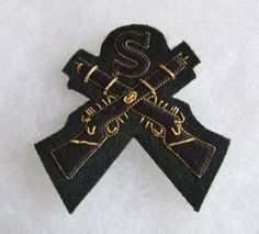 Bullion and embroidered Snipers trade sleeve badge, issue number to reverse. Special Air Service, Snipers, British Army, Green Jacket, Badges, Number, Sleeve, Ebay, Green Parka