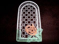 Fensterschmuck - AprilZart - handgeklöppeltes Fensterbild - ein Designerstück von Kreative-Kloeppelideen bei DaWanda