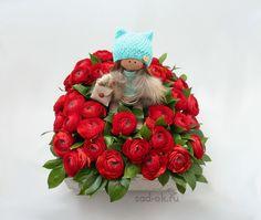 """Цветочная композиция """"Андрия"""" с красными ранункулюсами - """"Нескучный сад"""""""