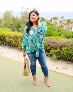 Love this Stitch Fix plus size floral top styled for summer! Plus Size Dresses, Plus Size Outfits, Floral Top Outfit, Plus Size Professional, Triathlon Clothing, Plus Size Kleidung, Stitch Fix Stylist, Modest Outfits, Work Outfits