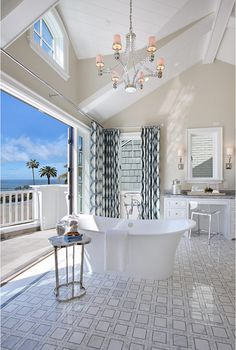 Ultimate California Beach House with Coastal Interiors | Home Bunch - An Interior Design & Luxury Homes Blog | Bloglovin'