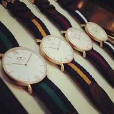 Dây đồng hồ là một bộ phận góp phần định hình toàn bộ phong cách của một chiếc đồng hồ. Đa dạng trong sáng tạo và sự phát triển của công nghệ đã cho phép các thiết kế đồng hồ phong phú hơn, với rất nhiều kiểu dây lạ mắt, phá cách. Các bài viết […]