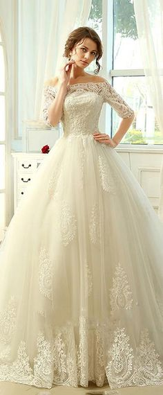 Romantic Tulle Off-the-shoulder Neckline A-line Wedding Dresses With Lace Appliques