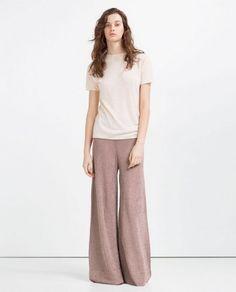 Pantalones campana anchos Zara - Pantalones estilo anchos y acampanados en color claro de Zara