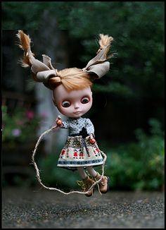blythe doll jump roping