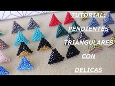 Tutorial: Pendientes Triangulares con Delicas/ Triangular Earrings with Delica Beads Beaded Earrings Patterns, Seed Bead Earrings, Seed Bead Projects, Earring Tutorial, Beads Tutorial, Peyote Beading, Beadwork, Bead Jewellery, Beading Tutorials