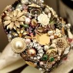 a bouquet made of brooches! totally gorgeous and one-of-a-kind