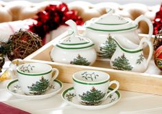 I wish it was Christmas a little more often. I love, love, love using my Spode!