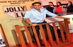 This is what #AkshayKumar is Searching for in Jolly LLB Sequel! Poster out
