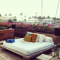 The Modern Honolulu Life Is An Adventure, Oahu, Outdoor Furniture, Outdoor Decor, Things To Do, Hawaii, Projects To Try, Island, Bed