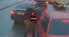 Mercedes-Benz Driver Pepper-Sprays Fellow Motorist For Cutting In