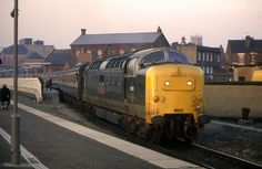 55002 'The Kings Own Yorkshire Light Infantry' at Doncaster on February Train Pictures, World Pictures, Electric Locomotive, Diesel Locomotive, British Rail, Real Model, Steam Engine, Diesel Engine, Dusk