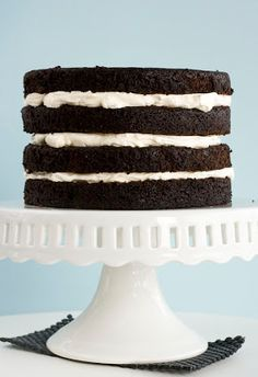 How to assemble a layer cake, and this site has a recipe index for many cakes and cupcakes. Cupcake Cakes, Cake Decorating, Layers, Baking, Cacao, Recipes, Yum Yum, Food, Lemon Desserts