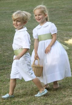 High end flower girl dresses - traditional & made to order wedding clothes for girls- London, Dublin, Belfast, Ireland, France, Paris