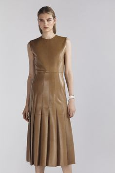 Joseph Pre-Fall 2020 Fashion Show Joseph Pre-Fall 2020 Collection – Vogue 2020 Fashion Trends, Runway Fashion, High Fashion, Rock Dress, Dress Up, Joseph Fashion, Bouchra Jarrar, Leather Dresses, Haute Couture Fashion