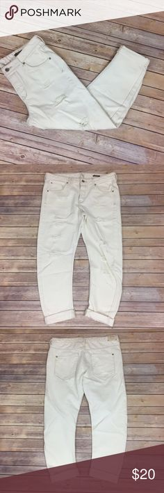 """✨MNG Boyfriend Jeans✨ Angie Boyfriend. 100% cotton Cream color. Check measurements to compare, seems bigger than size on tag!!!!  US Size 8 European 40 Mexican 7 **waist measures 17"""" across laying flat** 27"""" inseam unrolled. 10"""" front rise 14"""" back rise.     💕Need any other information? Measurements? Materials? Feel free to ask! 💕Unfortunately, I am unable to model items!  💕Don't be shy, I always welcome reasonable offers! 💕Fast shipping! Same or next day! 💕Sorry, no trades!  Happy…"""