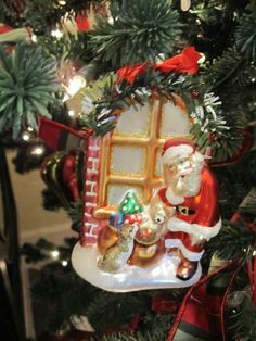 Santa Delivering Gifts Christmas Tree Ornament