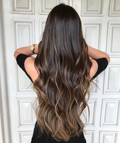 Projeto Along Hair – Recupere em 30 dias Beautiful Long Hair, Gorgeous Hair, Brunette Hair, Hair Highlights, Balayage Hair, Hair Dos, Pretty Hairstyles, Hair Trends, Dyed Hair