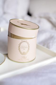Laduree' a French luxury bakery and sweets maker house created in They are famous for their macarons. Tea Packaging, Pretty Packaging, Packaging Design, Luxury Packaging, Packaging Ideas, Branding Design, Macarons, Laduree Paris, Deco Cafe
