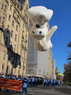 Macys Thanksgiving Day Parade This money would really help me get medical care for my girlfriend that we currently can't afford. Macys Thanksgiving Parade, Thanksgiving Day Parade, New York City Travel, Over The River, Fall Halloween, Make Money Online, The Best, Medical Care, Parade Floats