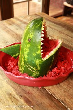 Ramblings From Utopia: DIY: Sharkmelon.  Thought of Jamie and Becky
