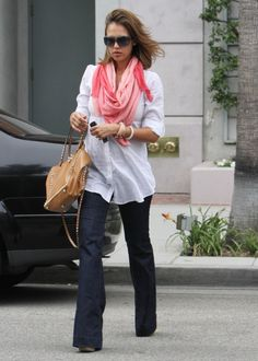Jessica Alba Out in Beverly Hills May 16 2011
