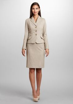 TAHARI ARTHUR S. LEVINE Three-Button Novelty Skirt Suit