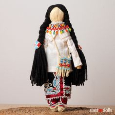 Corn dolls Iroquois(Seneca) Corn husk, cotton, wool, glass, silk, skin  by Slastidolls