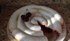 Familia mea iubeste la nebunie aceasta prajitura cu vine. Incearc-o si tu si te vei convinge singura