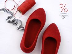 Ready to ship Felted Stylish Slippers Sale Flat Ballerinas Red Rubber sole Self-care Ballet flats house shoe Clothing-gift 37 size Xmas gift Felted Slippers, Shoe Storage Bags, Felt Shoes, Cool Gifts For Women, Pointy Toe Flats, Handmade Felt, Womens Slippers, Mother Gifts, Amigurumi