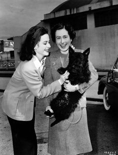 Hedy Lamarr with her mother Gertrude Keisler and friend, 1942.  Another class act with a classy canine!