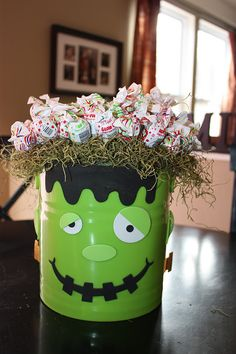 HIP HALLOWEEN HINTS AND HELP WITH DECORATIONS : Macaroni Kid